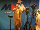 ベルギーでテレビ・ラジオ番組に出演したピコ太郎