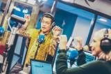 ベルギーで人気の朝のラジオ番組でも「PPAP」を披露