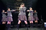 (写真左から)新谷ゆづみ、山出愛子、倉島颯良、黒澤美澪奈、日高麻鈴