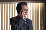 関西テレビ・フジテレビ系ドラマ『嘘の戦争』第6話より。二科興三(市村正親)も反撃出る(C)関西テレビ