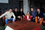 テレビ東京系で放送中の異色ドラマ『バイプレイヤーズ〜もしも6人の名脇役がシェアハウスで暮らしたら〜』シェアハウスで暮らす6人の名脇役たち(C)「バイプレイヤーズ」製作委員会