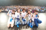 Zepp Tokyoで5周年・5人の新体制始動ライブを行ったフェアリーズ(左から)林田真尋、野元空、下村実生、伊藤萌々香、井上理香子