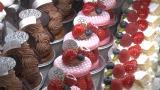 2月24日放送、NHK・BSプレミアム『スイーツ マジック』五十嵐宏シェフのケーキ(C)NHK