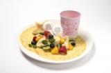 『キキ&ララのフルーツたくさん贅沢クレープ〜オリジナルカップ付き〜』(税抜価格:1480円)