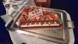 武部聡志の還暦を祝うケーキはピアノの鍵盤がモチーフに