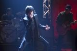 自身の代表曲「悲しみの果て」「俺たちの明日」も披露 (C)NHK
