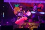 ピコ太郎の武道館ライブ『PPAPPT』に出演したLiSA