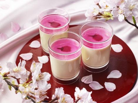 「パブロ」から1ケ月限定で『とろけるチーズプリン』に桜フレーバー新登場