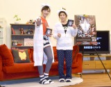 映画『シビル・ウォー/キャプテン・アメリカ』Movie NEX発売記念イベントに登場した(左から)室伏由佳、吉田沙保里 (C)ORICON NewS inc.