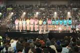 京セラドーム大阪で黙祷を捧げるNMB48メンバー(C)NMB48