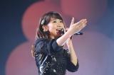 女性アーティスト限定ライブイベント『CDTV GIRLS FES』のトリを務めた柏木由紀 (C)TBS