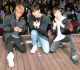 侍ジャパンへエールを送ったw-inds. (左から)緒方龍一、橘慶太、千葉涼平(C)ORICON NewS inc.