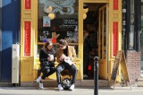 04_paris store2