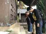 『ローカル路線バス乗り継ぎの旅Z』で新コンビを組む田中要次(奥)&羽田圭介氏 (C)テレビ東京