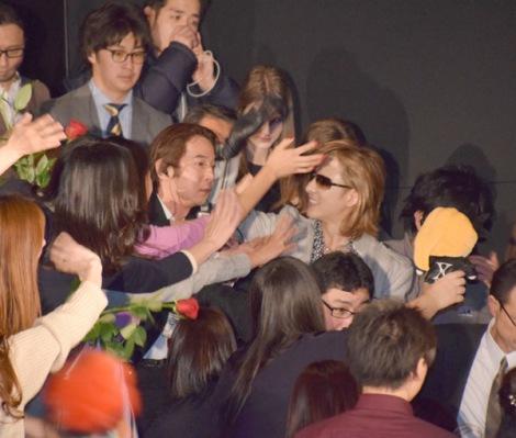 ファンサービスで何度も劇場を沸かせたYOSHIKI (C)ORICON NewS inc.