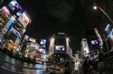 渋谷駅前スクランブル交差点の5つのビジョンをジャック