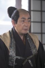 NHK大河ドラマ『おんな主城 直虎』で鈴木重時を演じる菅原大吉(C)