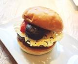 米・ロサンゼルス発、日本初上陸の「UMAMI BARGER」を食べてみた (C)oricon ME inc.