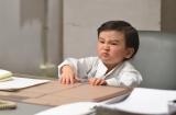 ドラマ『お迎えデス。』に鈴木亮平の上司役で出演する早坂ひららちゃん(C)日本テレビ
