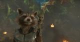 お互いをカバーしあうバディのロケット&ベビー・グルート (C)Marvel Studios 2017