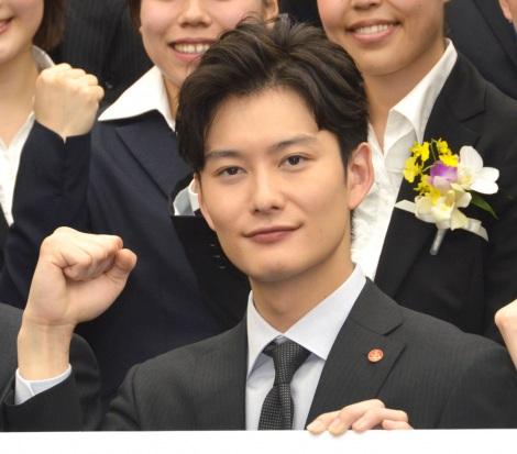 岡田将生入社式