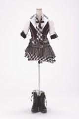 「RIVER」衣装 (C)AKS/TAKARAJIMASHA
