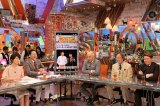 NON STYLE『ワイドナショー』に出演(左から)秋元優里、東野幸治、松本人志、武田鉄矢、ヒロミ (C)フジテレビ
