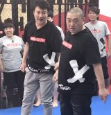 AbemaTV『極楽とんぼ KAKERU TV』に出演した極楽とんぼ(左から)加藤浩次、山本圭壱 (C)ORICON NewS inc.