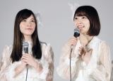 AKB48の48thシングル「願いごとの持ち腐れ」でWセンターを務める(左から)松井珠理奈、宮脇咲良 (C)AKS