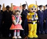 映画『ラストコップ THE MOVIE』横浜凱旋舞台挨拶に登場した(左から)リリポちゃん、ピーガルくん (C)ORICON NewS inc.
