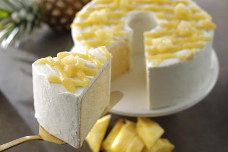 スターバックスの人気スイーツ・シフォンケーキにパイナップルを使った新作登場