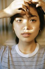 1st写真集『I'm not Lonely』を発売する垣内彩未