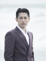 映画『空飛ぶタイヤ』で長瀬智也と初共演するディーン・フジオカ