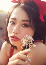 『LARME 028 JULY』に登場する山本舞香(徳間書店)