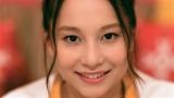 明治リゾットWEBCM「美女の口元」篇に出演するNiki