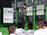 サッカーを通して子供たちと交流をしたネイマール選手=『東京西川』のイベント (C)ORICON NewS inc.