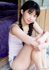 キュートなおさげヘアも披露したモーニング娘。'17・牧野真莉愛 (C)Takeo Dec./ヤングマガジン