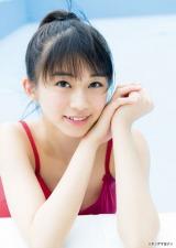 『週刊ヤングマガジン』26号に登場するモーニング娘。'17・牧野真莉愛 (C)Takeo Dec./ヤングマガジン