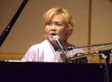 ピアノ弾き語りを披露した泰葉 (C)ORICON NewS inc.