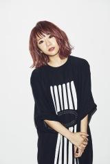 E-girlsリーダーのAyaはE-girls/Dreamのボーカル&パフォーマーを引退し裏方に専念