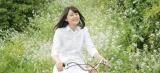 センター・滝野由美子は広島県呉市蒲刈町で撮影(C)AKS