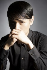 ソロプロジェクトMONDO GROSSOとして14年ぶりの新作を発表した大沢伸一