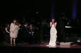 花總まりは自身の新曲曲「Love. for you 永遠に〜」を披露(C)NHK