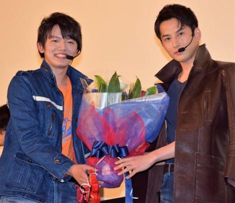『劇場版 ウルトラマンオーブ 絆の力、おかりします!』舞台あいさつに登壇した濱田龍臣(左)、石黒英雄 (C)ORICON NewS inc.