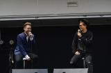JAY'EDと談笑するEXILE ATSUSHI photo by 高田梓