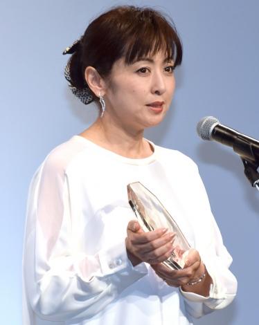 『第8回 岩谷時子賞』で「特別賞」を受賞した斉藤由貴 (C)ORICON NewS inc.