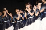 高橋朱里(中央)は9位=『第9回AKB48選抜総選挙』投票速報の模様 (C)AKS