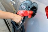 軽油を乗用車に給油すると炎上ことも。燃料にまつわる基礎知識を紹介