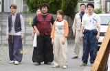 日本テレビ系連続ドラマ『フランケンシュタインの恋』第10話より川栄李奈(中央) (C)日本テレビ