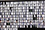 3Dスキャンデータ作成のため122台のカメラで全身を撮影する遠藤保仁選手(ガンバ大阪)